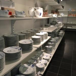 Royal Copenhagen Outelet har mange kander og tallerkener